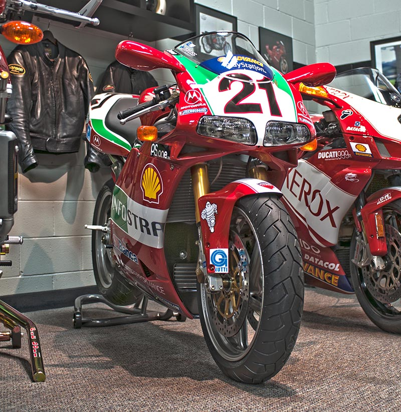 2002 Ducati 998s Bayliss Replica sm